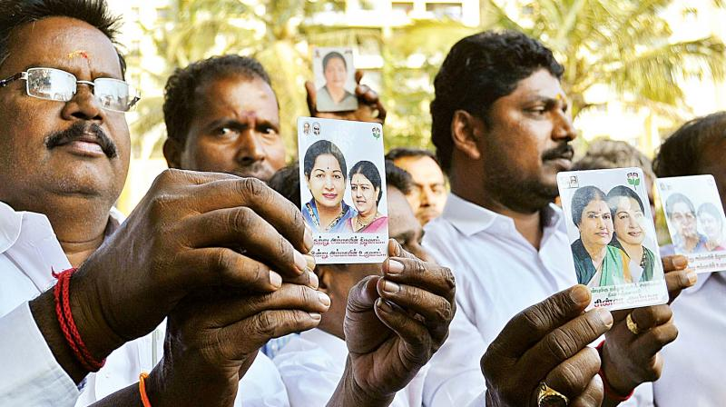 Supporters of AIADMK leader Sasikala outside Parappana Agrahara central prison. (Photo: DC)