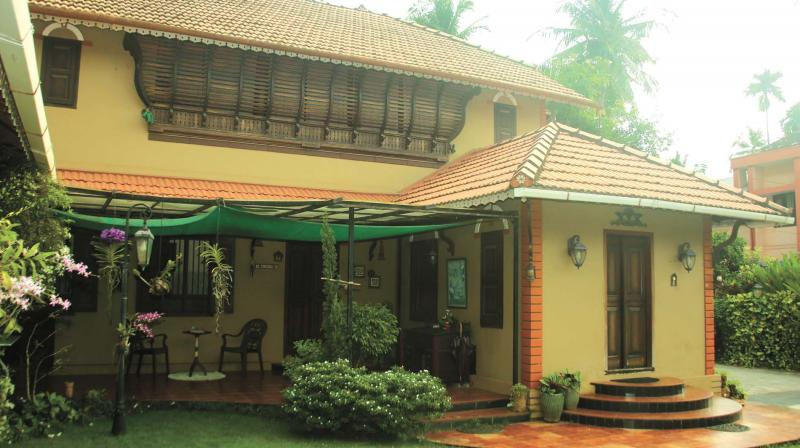 A 600-year old gable with intricate carvings which was through from Kochi by Anitha welcomes us to the beautiful interiors.