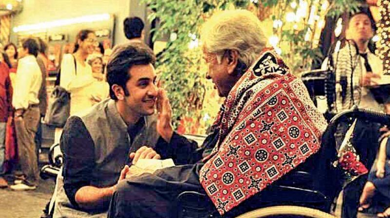 Veteran Dharmendra share heartfelt picture of Late Shashi Kapoor""