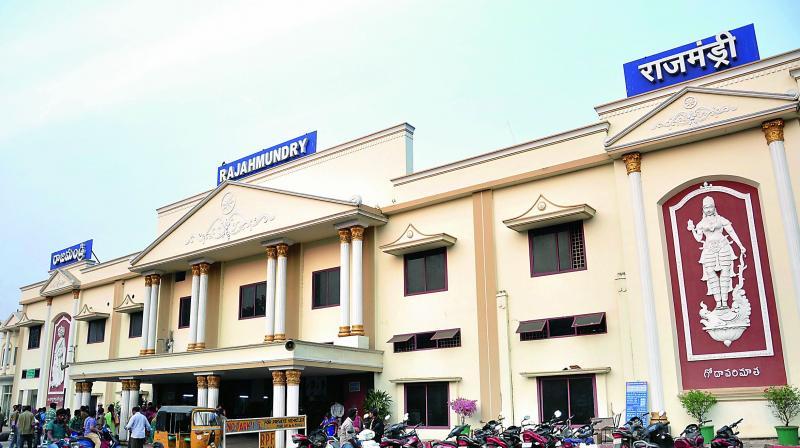 Rajahmundry railway station to get new facilities.
