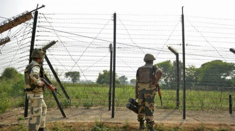 On June 26, the occasion of Eid-ul Fitr, the Pak army fired small arms and automatic weapons and shelled mortars along the LoC in Bhimbher Gali sector of Rajouri. (Photo: File/Representational)