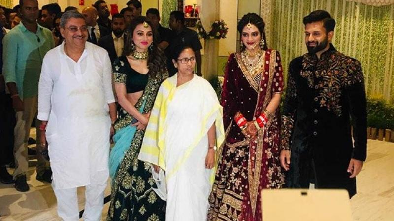 TMC MP Mimi Chakraborty and TMC leader Kalyan Bandyopadhyay were also spotted at the reception which was held ITC Royal Kolkata. (Photo: Twitter/ ANI)