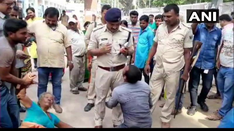 Two men were beaten to death by locals after suspecting the duo to be cattle thieves in Baniyapur in Saran district on Friday morning, police said. (Photo: Twitter/ ANI)