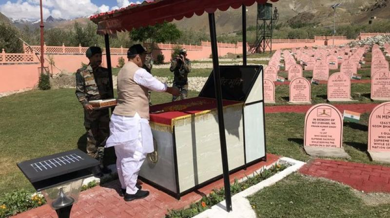 Lauding the heroes of the Kargil war, Defence Minister Rajnath Singh on Sunday said he will do his best to ensure that no harm comes to the pride and honour of the soldiers. (Photo: ANI)