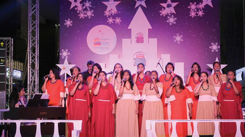Colombo-based Soul Sounds Choir 'Indulging flyers'  performing at KIA on Monday. (Photo: DC)