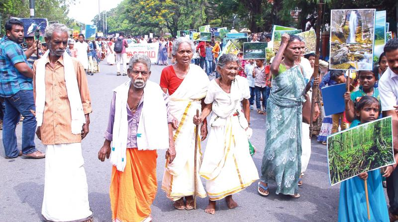 Padmasree Lakshmikutty Amma, along with other elderly, leads the Sankata Jatha to the Assembly in protest against the proposed waste processing unit at Peringammala, on Wednesday (Photo: Peethambaran Payyeri)