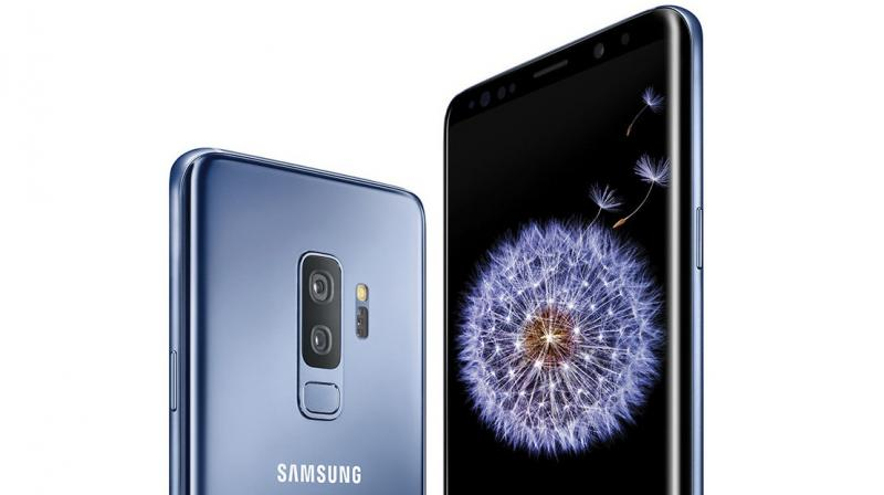 Three versions of the Galaxy S10 will debut next year.