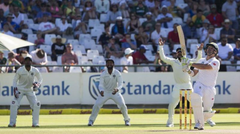 Ishant's twin strike limits South Africa to 335
