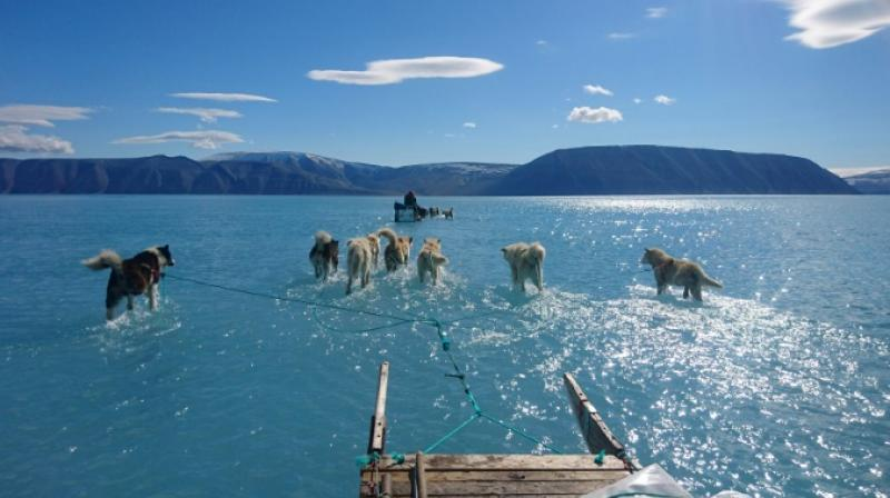 The melting of the ice sheet and glaciers that has a direct impact on rising sea levels worldwide. (Photo: AFP)