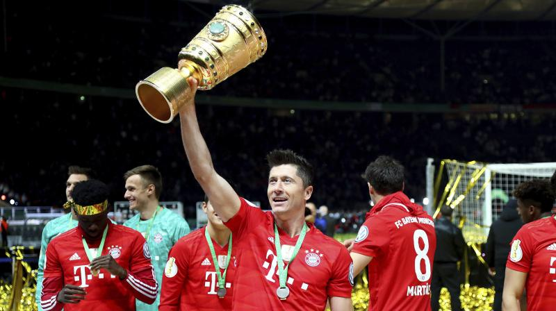 Polish striker Robert Lewandowski will once again take centre-stage as Bayern Munich look to catch up with their Bundesliga title challengers with a home win over strugglers Mainz on Saturday.  (Photo:AP)