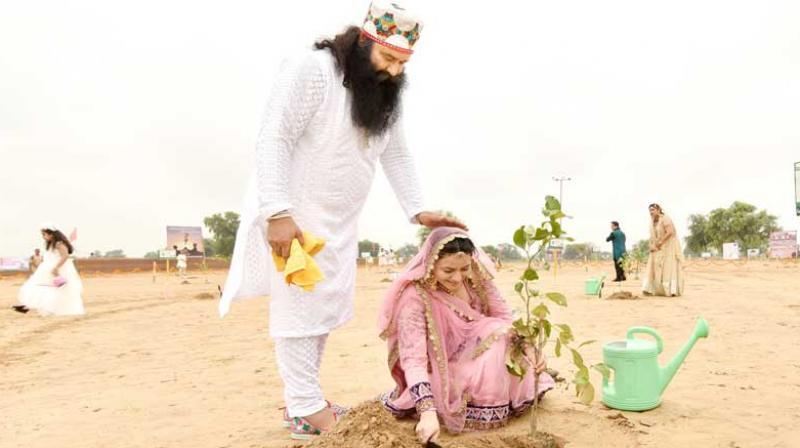 Since 2009, Honeypreet was living with Ram Rahim as his de-facto wife, Gupta alleged. (Photo: honeypreetinsan.me)