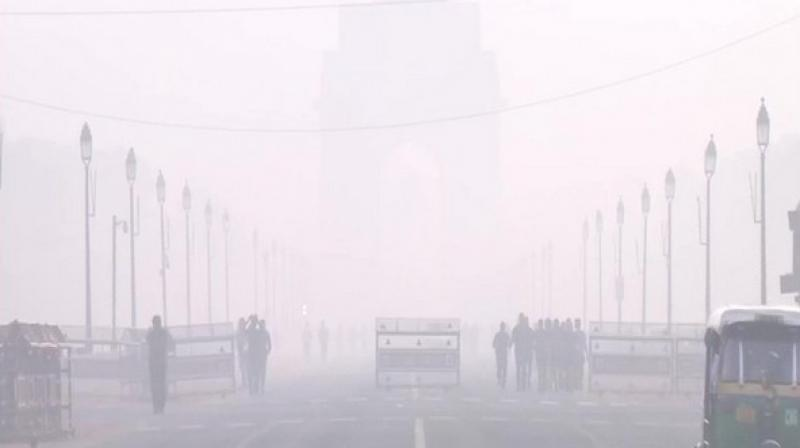 There was haze as air quality around India Gate and Major Dhyan Chand Stadium remained in the 'Very Poor' category. (Photo: ANI)