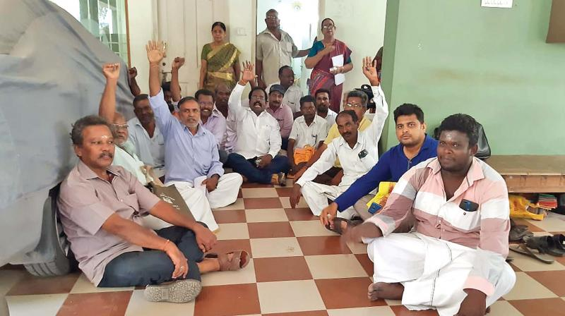 Land owners stage a dharna in the collectorate in Nagapattinam on Monday. (Photo: DC)