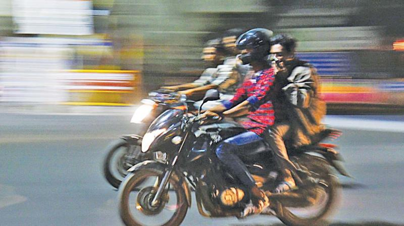 Alerted by police checking in key locations, the bikers passed through adjacent residential areas. This has turned out as a nuisance to the pedestrians and households. Bikes without silencers and zig-zag driving irritate the people living in the neighbourhood. The motorists are putting their lives at risk. It's dangerous to them and to the local people as well.