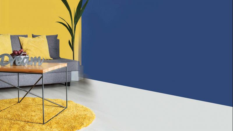 Have a single yellow wall that you can complement with a rug of the same colour.