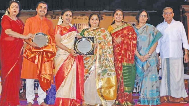 Renownwed Carnatic singer Sudha Raghunathan was among the others to present the award.