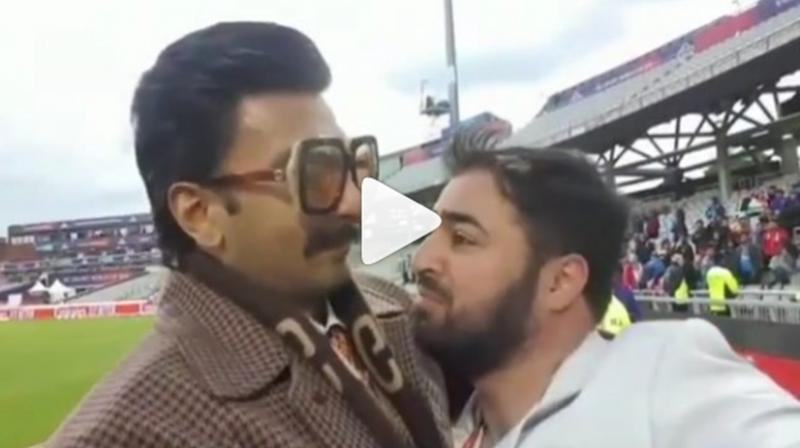 Ranveer Singh consoles Pakistani fan. (Video Courstesy: Viral Bhayani/Instagram)