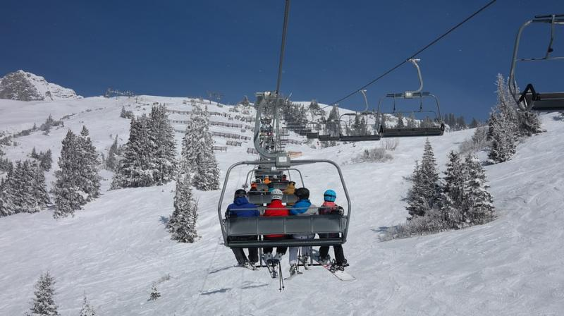 The entire incident was caught on camera by a person at the slopes (Photo: Pixabay)
