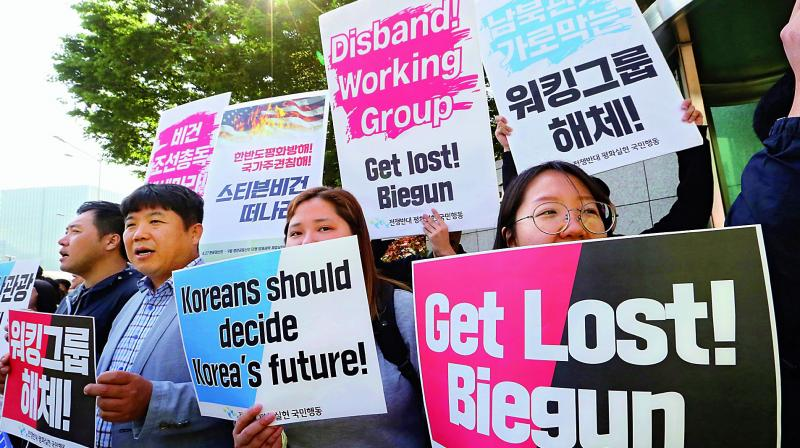 South Korean protesters stage a rally to denounce the policies of the United States on North Korea as they wait for arrival of U.S. Special Representative for North Korea Stephen Biegun in front of Foreign Ministry in Seoul on Friday.  (Photo: AP)