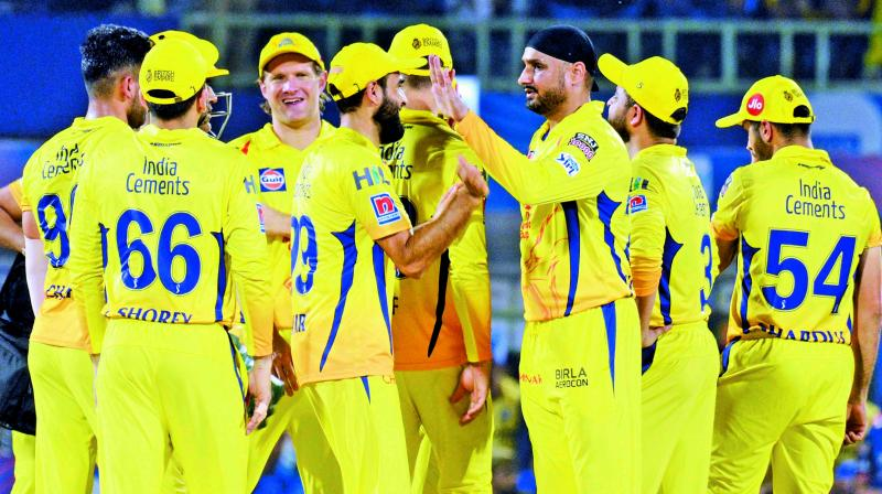 Chennai Super Kings celebrate a Delhi Capitals wicket during Qualifier 2. (Photo: K. Murali Krishna)