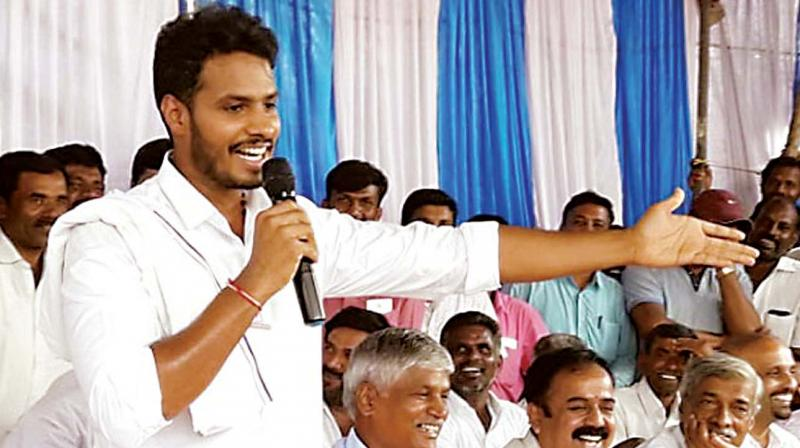 JD(S) candidate for Mandya Nikhil Kumaraswamy at a party meeting to discuss polls to local bodies, at KR Pet near Mandya on Friday (Photo: KPN)