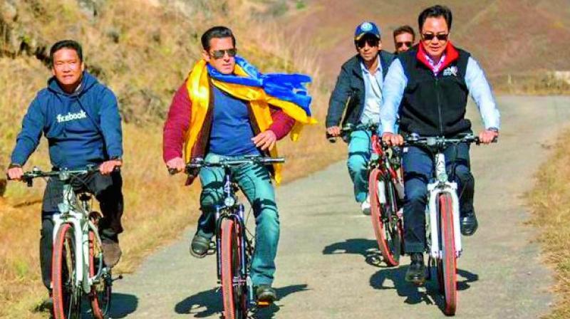 CM Pema Khandu, Salman Khan, and  minister Kiren Rijiju on a cycling trip in Arunachal Pradesh.