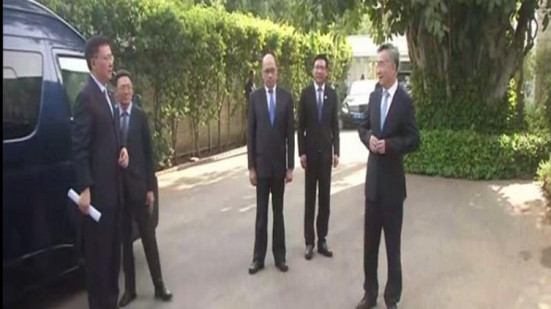 The eight-member Chinese delegation also UPA chairperson Sonia Gandhi and Congress president Rahul Gandhi at her 10 Janpath residence. (Photo: ANI)