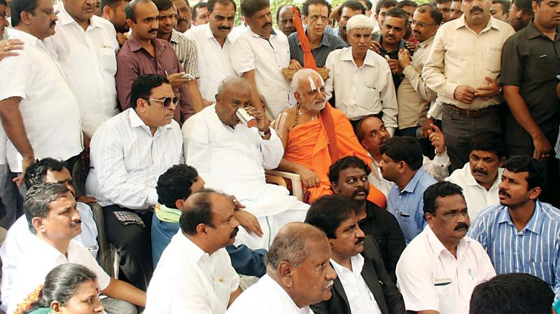 A file photo of JD(S) supremo Deve Gowda at a protest.