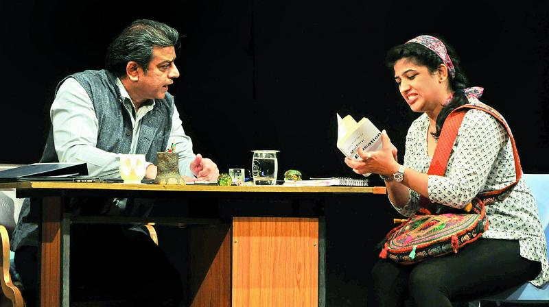 During the two-character play, an element that played the perfect emotional catalyst for viewers was the phone, which rang at appropriate moments, bringing about small moments of comic relief
