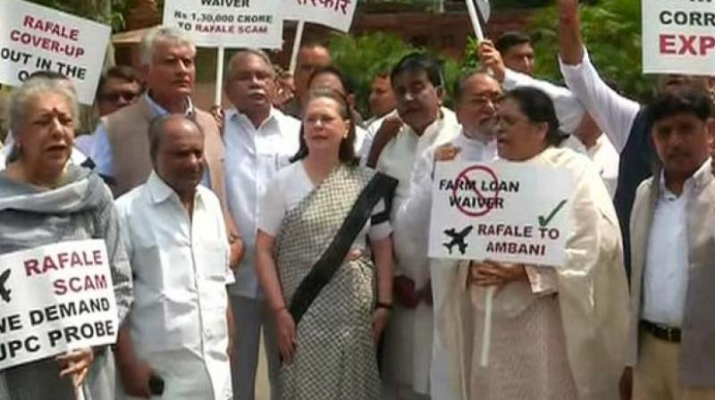 UPA chairperson Sonia Gandhi led the protests and was joined by top Congress leadership, including Raj Babbar, Ghulam Nabi Azad, Anand Sharma, Ambika Soni. (Photo: ANI)