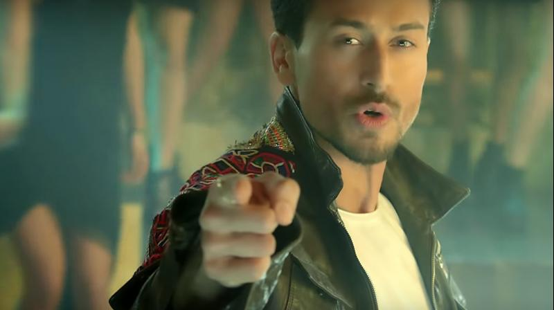 Tiger Shroff's still from Are You Coming? Music video.