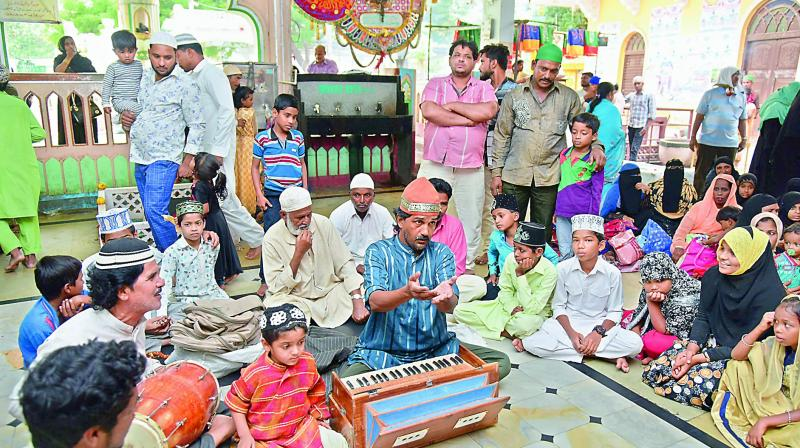 Saber Ahmed Khan sings a qawwali at the Dargah Yousufain at Nampally. 	(Photo:DC)