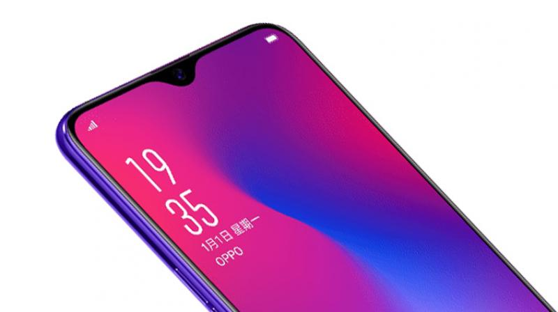 We could see the 'teardrop' style notch from the OPPO R17 making its way to the OnePlus 6T, allowing for an even bigger screen-to-body ratio of 94 per cent.