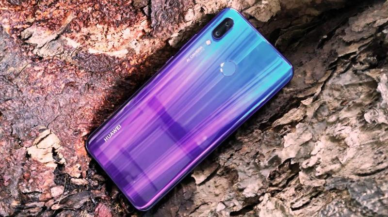 The Huawei Nova 3 leaves no stone unturned to be a style statement in your pocket and impress with a notable all-round performance.
