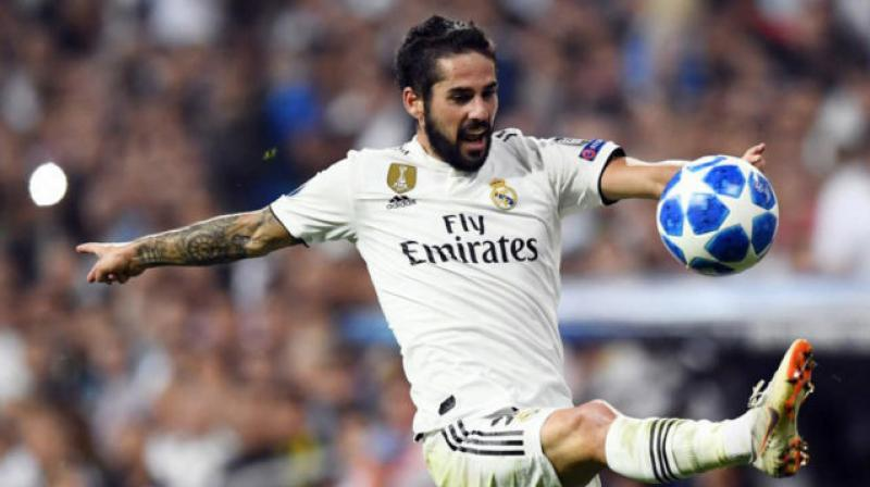 Real Madrid midfielder Isco Alarcon has picked up a thigh injury, and he is set to miss this weekend's La Liga match against Villarreal. (Photo:AFP)