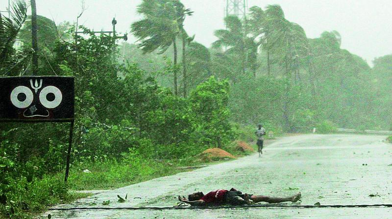Cyclone Fani battered the coastal districts on May 3 but only half of the over 4.5 lakh electricity consumers in Bhubaneswar have got power supply back at a time when the state is sizzled under intense heat wave. (Photo: File | AP)