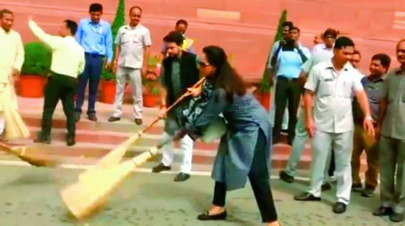 Parliamentarian Anurag Thakur was with Hema during this drive, after which the actress-turned-politico also told the media that she would take the programme to her constituency Mathura.