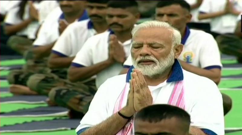 Prime Minister Narendra Modi performs yoga at Prabhat Tara ground in Ranchi on 5th International Day. (Photo: Twitter/ ANI)