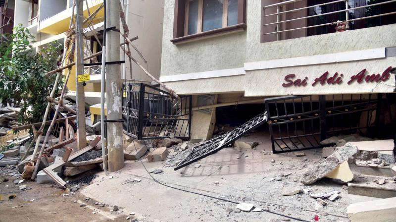 The occupants plan to return only after the officials carry out a thorough inspection and certify that the structure is safe, said a local resident.
