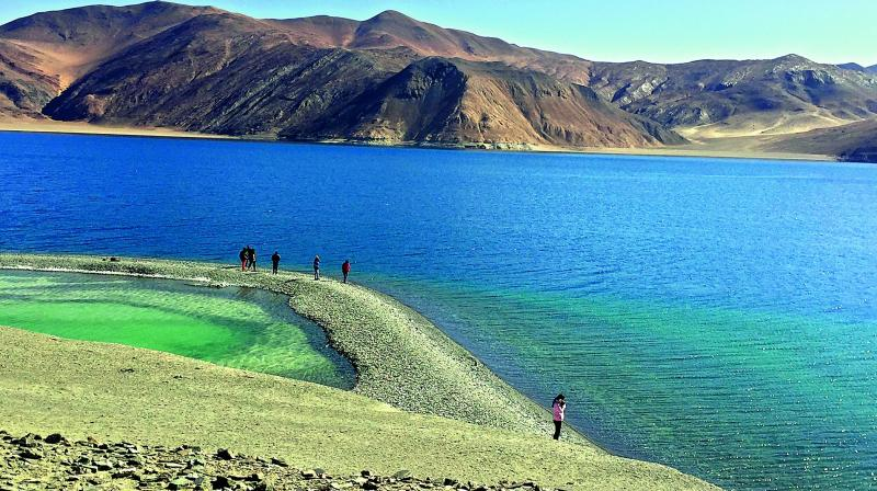 Ahead of a massive military exercise planned along the China border by India, soldiers of Indian and Chinese Army were engaged in a face-off near the northern bank of Pangong Tso Lake in Ladakh but disengaged after talks between the two sides there. (Representational Image)