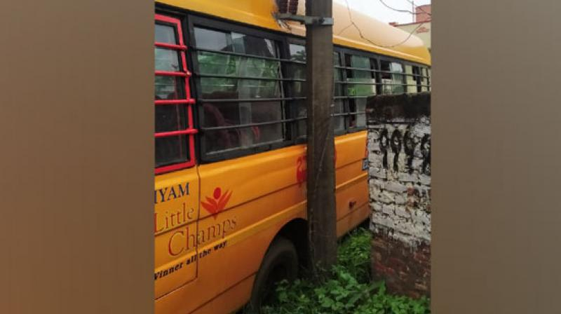 AP: School children have narrow escape in bus accident