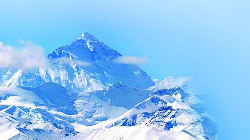 Australian, Chinese double amputee summit Everest