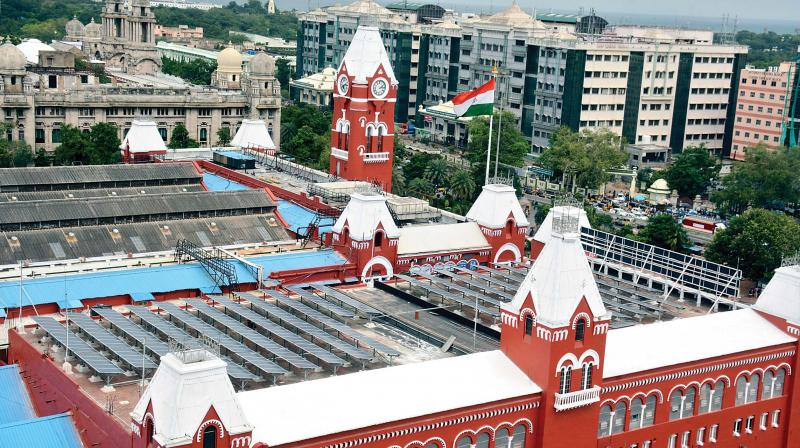 Solar  panels fixed at Central  railway  station. (Photo: DC)