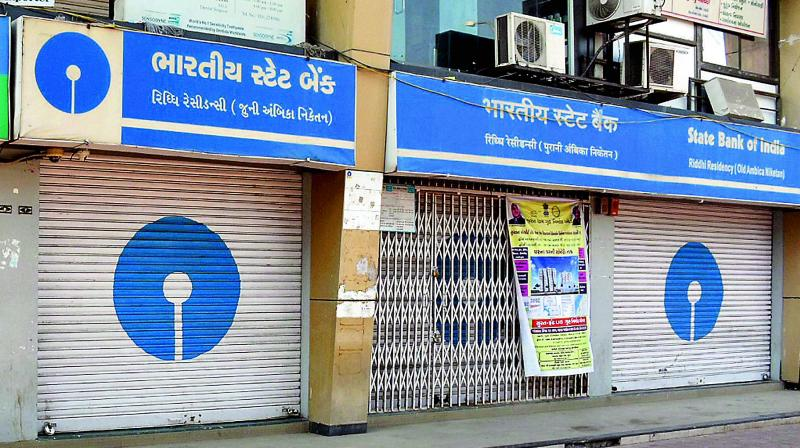 SBI will cut charges on electronic transfer of funds through NEFT and RTGS by up to 75 per cent from Saturday.