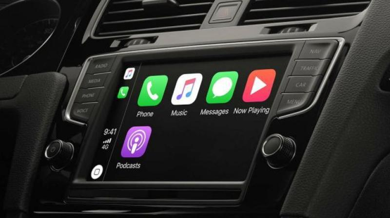 Just like Google announced Dark UI for Android Auto, Apple has come up with light mode for Apple CarPlay.