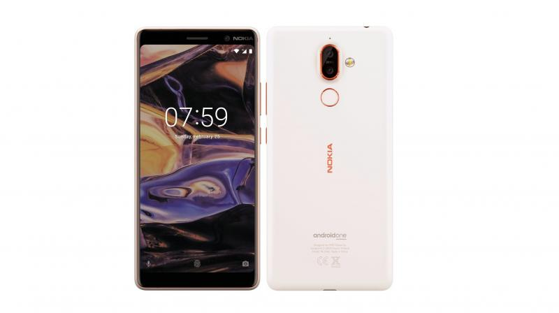 Leaked Nokia 7 Plus with an 18:9 display. (photo: evan blass)