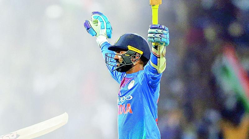 Karthik's last-ball six helps India to lift Nidahas Trophy