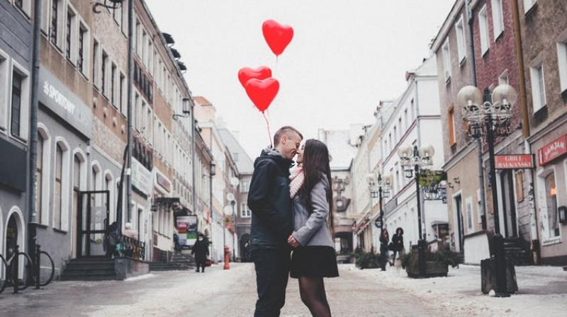 6 low-cost ways to spend Valentine's Day with your loved one. (Photo: Pixabay)