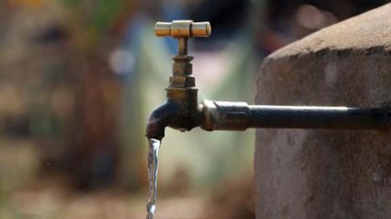 Municipal authorities failed to predict the drinking water needs of the city and are accused of plunging residents into a serious water crisis.