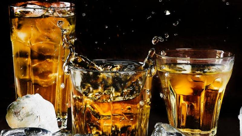A recent study published in Lancet, the well-known medical journal, negates the long-held view that moderate drinking may cause benefits to the heart. (Photo: Pixabay)